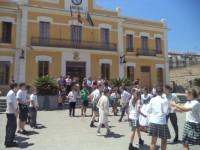 Danzas tradicionales y visita al Ayuntamiento