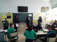 6º de primaria representa un obra de teatro