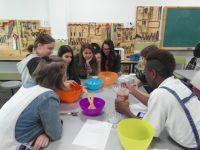 Visita de alumnos de Varsovia 2.017: taller de cocina y taller artístico